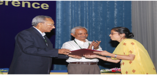 Ms Kuljeet Kaur received Best Performance award 2008